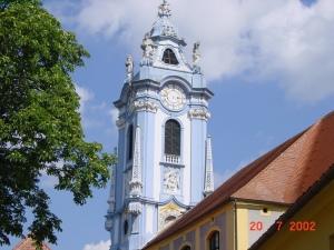 L'église de Dürnstein (Wachau, Autriche, sur les bors du Danube)