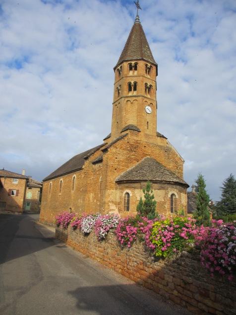 l'église romane de Loché